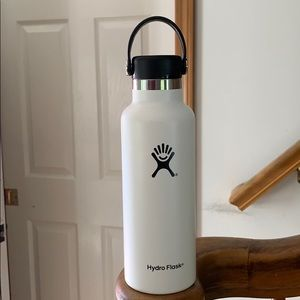 18 oz White Hydro Flask